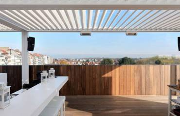 Embrace the Outdoors While Securing Indoors with Retractable Roofs